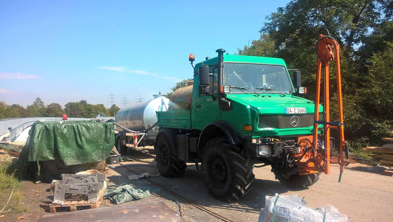 Truck mit Giessarm